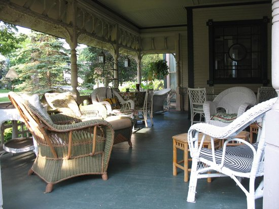 The Inn on Park Street: Front Porch