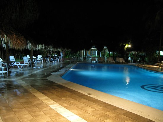 Globales Camino Real: Pool area