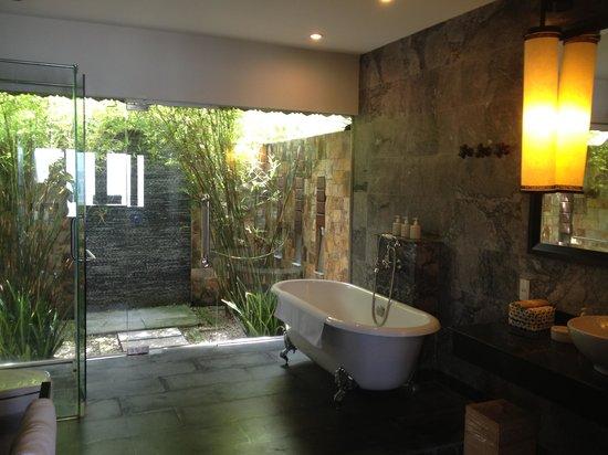 Ana Mandara Hue: The Bathroom with Outdoor Shower!