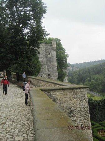A long way up! Pieskowa Skala Castle.