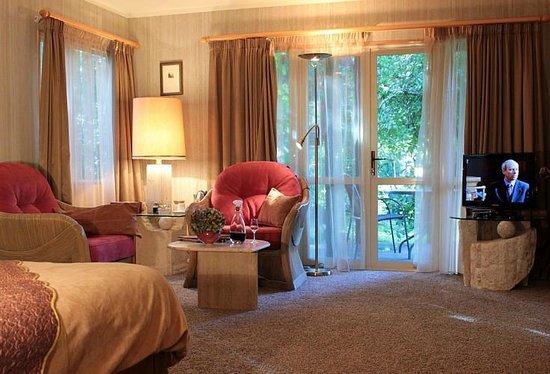 Bushland Park Lodge & Retreat: Garden Suite 40sqm incl. spacious bath & walk-in wardrobe