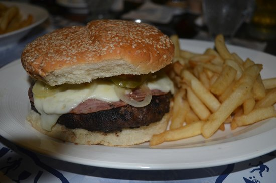 Bubba's Sports Bar and Restaurant: le POUNDER
