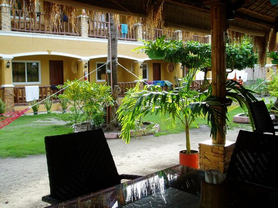 Slam's Garden Resort: Restaurant Area