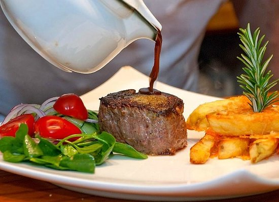 Bushland Park Lodge & Retreat: Beef Eye Fillet at its best with double cooked Parmesan Fries