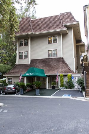 The Inn at Saratoga: Inn at Saratoga exterior