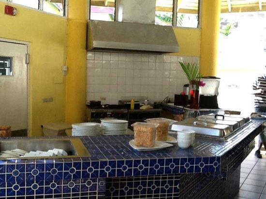 Mystic Ridge Resort: Kitchen