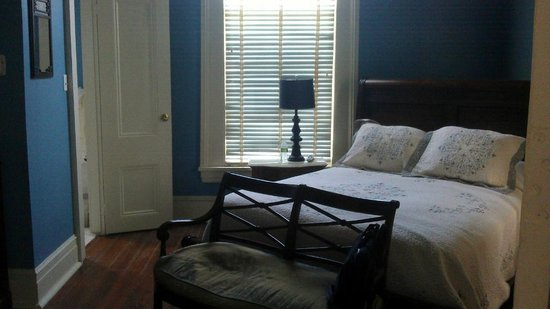Woodland Plantation - A Country Inn: The Study in the Big House