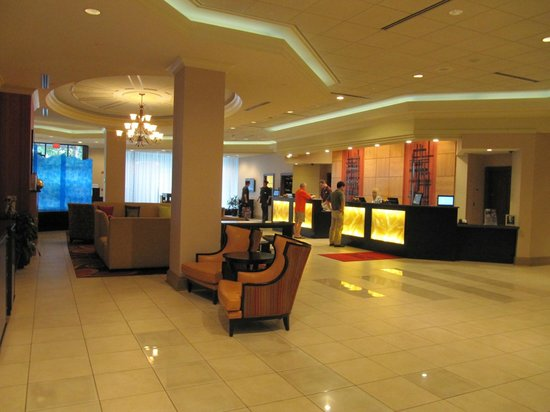Pittsburgh Marriott City Center: The lobby on the ground floor