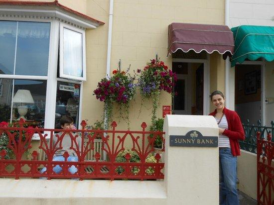 Sunny Bank Guest House: Entrada - fachada