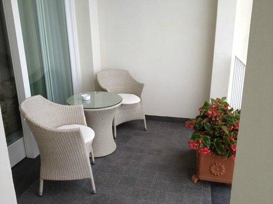 Hotel Villa Fraulo : Plenty of room on the balcony