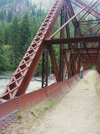 Penstock Trail (Old Pipeline Trail) : Bridge at Beginning of Hike
