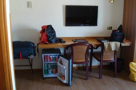 Plaza Hotel: Nevera bien surtida