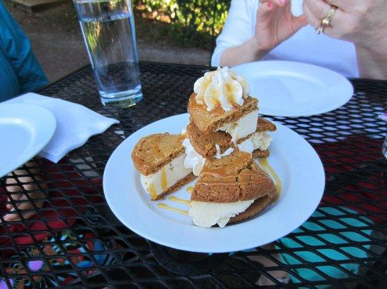 La Rosa Club: Triple ginger cookie ice cream sandwich