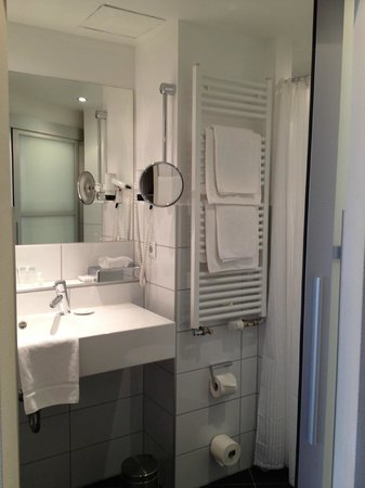 Hotel Aspethera : bathroom