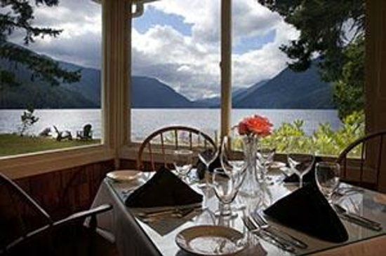 Lake Crescent Lodge: Perfect spot for sunset dinner