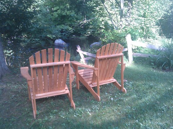 Little River Bed and Breakfast: Adirondack chairs in the shade to watch the river flow