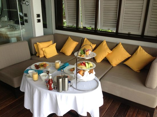The Shore at Katathani: Breakfast served in our villa