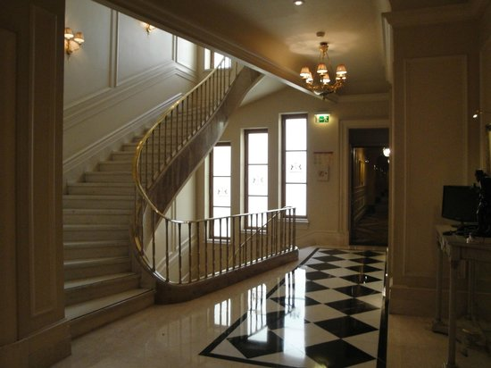Hotel Grande Bretagne, A Luxury Collection Hotel: Stairs
