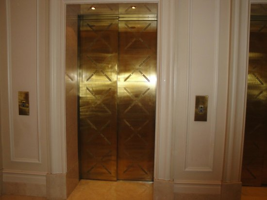 Hotel Grande Bretagne, A Luxury Collection Hotel: Lifts