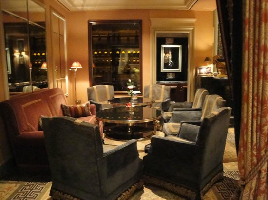 Hotel Grande Bretagne, A Luxury Collection Hotel: Bar Area
