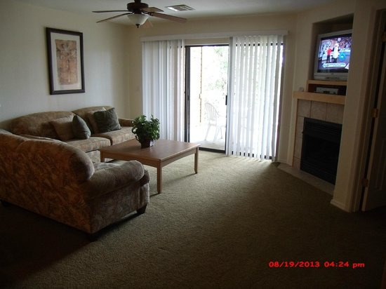 Still Waters Resort: front room with fireplace