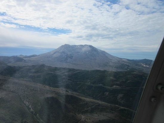Hoffstadt Bluffs Visitor Center: Mt. St. Helens from the helicopter