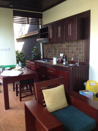The Bali Dream Villa & Resort: 1br pool villa lounge and kitchen