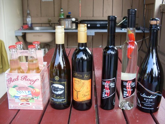 Wine Tours Gone South: See the red pepper?  Looks delightful!