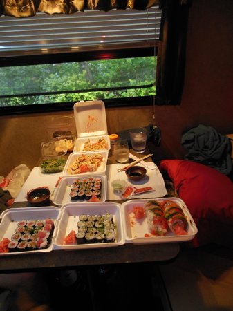 A Taste of Hawaii: Awesome sushi!