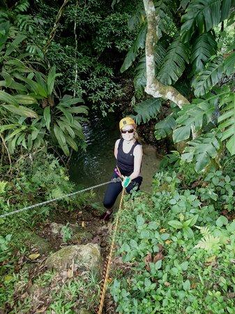 Edge Vanuatu: The practice 8m abseil
