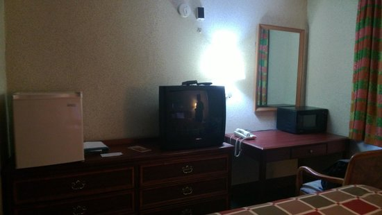 Knights Inn Lancaster PA: Amenities in room