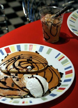 Chocolate Chip Pancakes at The Street
