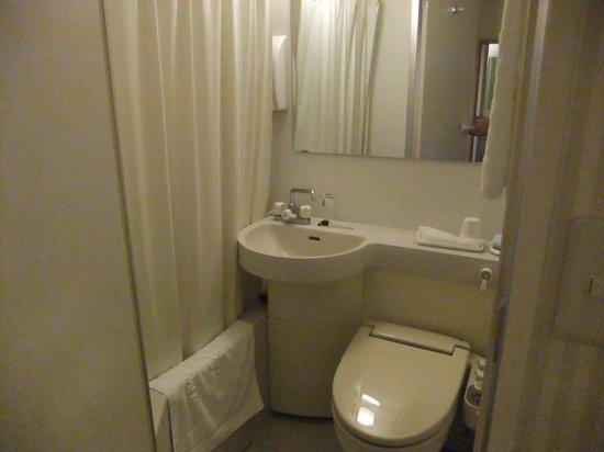 Omura Central Hotel: バスルーム