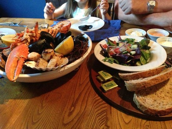 The Globe Inn ultimate seafood platter avaiable with 48hrs notice