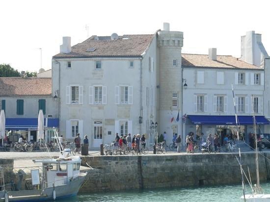 Hotel de Toiras : l'hotel visto dal porto