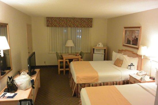 Best Western Palm Beach Lakes Inn: room