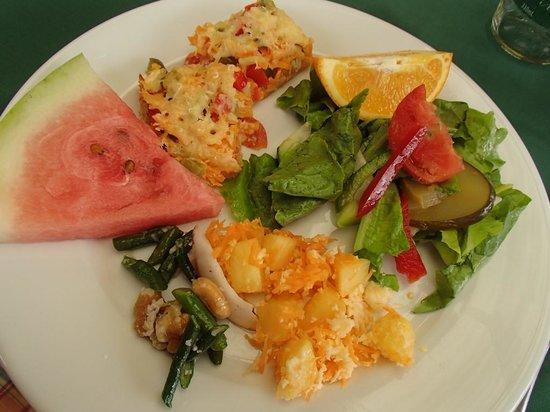 Daku Resort: From the lunch buffet