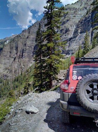 Black Bear Pass: On the switchbacks