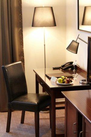 Bristol Hotel: Hotel Bristol room interior