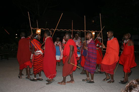 Kenya Bay Beach Hotel: Entertainment by Masai dancers