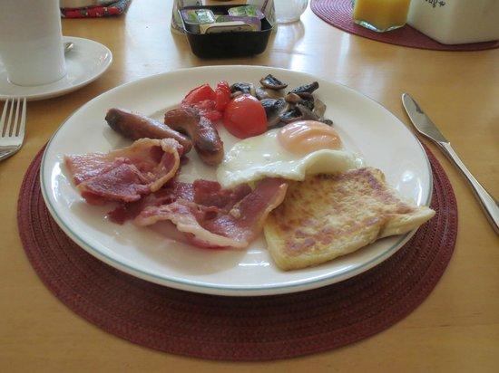 The Leander Lodge Breakfast