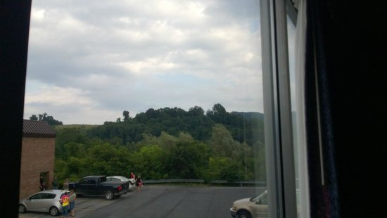 Americas Best Value Inn: View from Room