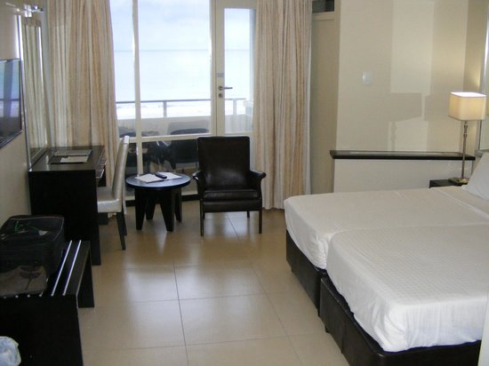 Blue Waters Hotel : Sea facing room with two bedrooms