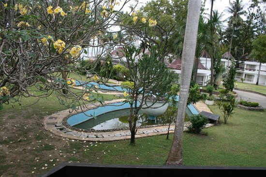 Kenya Bay Beach Hotel: The view from our room (The fish pond)