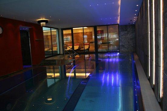 Hotel Tirol: piscine illuminée