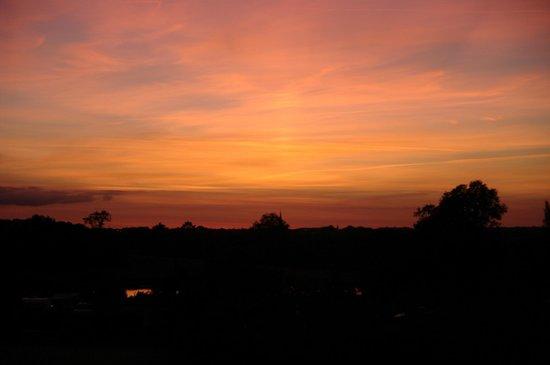 Camping la fontaine du hallate: coucher de soleil sur plogoumelen