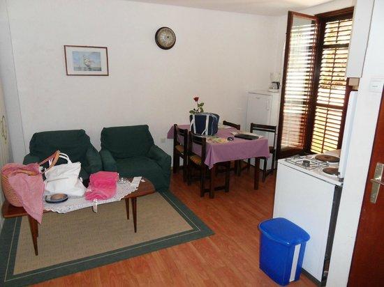 Apartments Matic: Cucina 2
