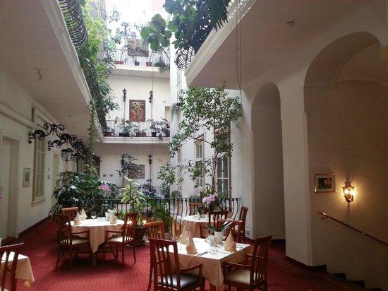 Palais-Hotel Erzherzog Johann: Wintergarten, Hotel Erzherzog Johann