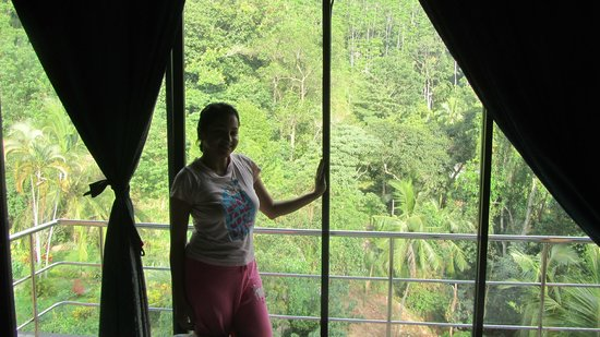 Kandy View Hotel : hillside view ,,,,