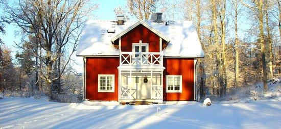 Hedenlunda Slott: Röda villan